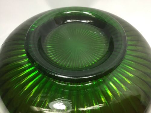 "Northwood Carnival Glass Green Smooth Ray Bowl 7.5"" Scalloped Edge"