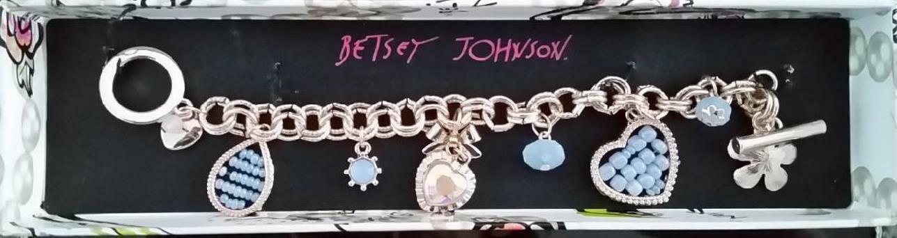 BETSEY JOHNSON Beaded B13275  Charm Toggle Bracelet Floral Heart Gold / Blue - $38.15