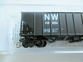 Micro-Trains # 10800421 Norfolk & Western 100-Ton 3-Bay Hopper with Coal Load (N image 2