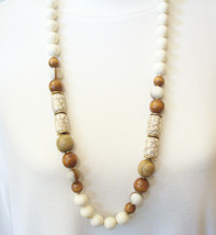 White Brown Tan Beads Necklace Wood Marbled Strand String Italy Vintage ... - $18.80