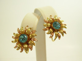 Van Dell Blue Rhinestone 12K GF Sun Flower Screw Back Earrings Vintage E... - $19.75