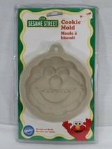 NOS Vintage Wilton Cookie Mold sesame Street elmo  1998 (bt) - $19.80