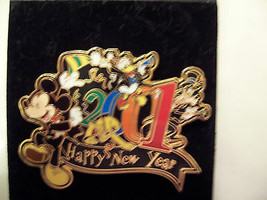"""WDW 2001 """"MICKEY HAPPY NEW YEAR"""" PIN  RETIRED LE15,000 - $12.00"""
