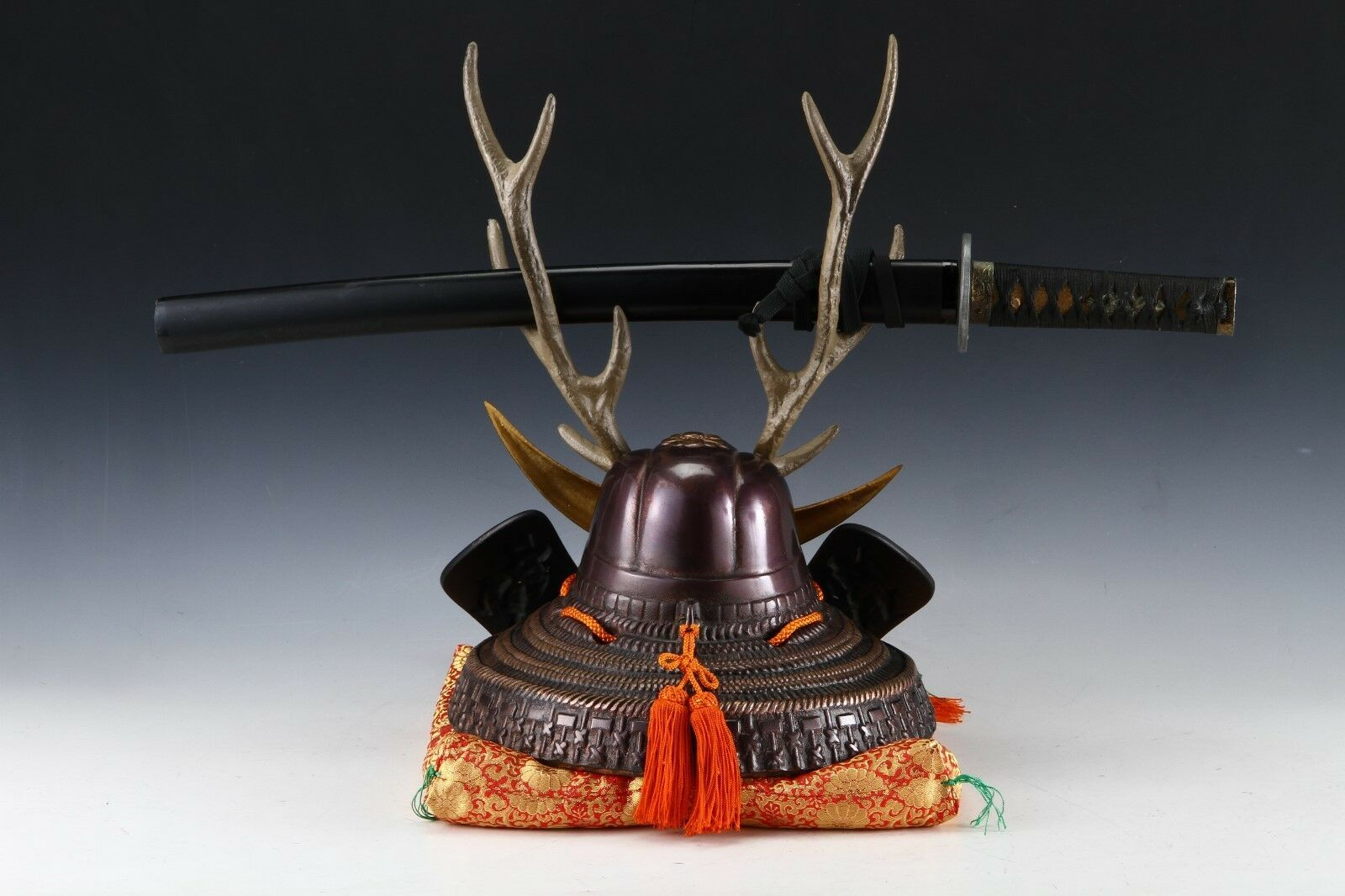 Japanese Beautiful Samurai Helmet -shikanosuke kabuto- with a Replica Blade image 10