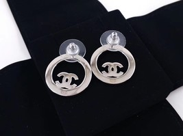BRAND NEW Authentic Chanel CC Circle Logo Crystal Strass Silver Stud Earrings  image 4