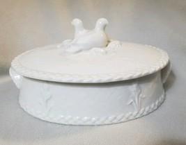Royal Worcester Gourmet Oven 2 Qt White Basket Weave Dove Bird Oval Casserole - $58.19