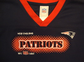NFL New England Patriots National Football League Fan Blue Youth T Shirt L - $17.10