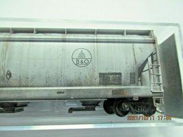 Micro-Trains Stock # 09444720  CSX/ex B&O 3- Bay Hopper CSX Family Series (N) image 3