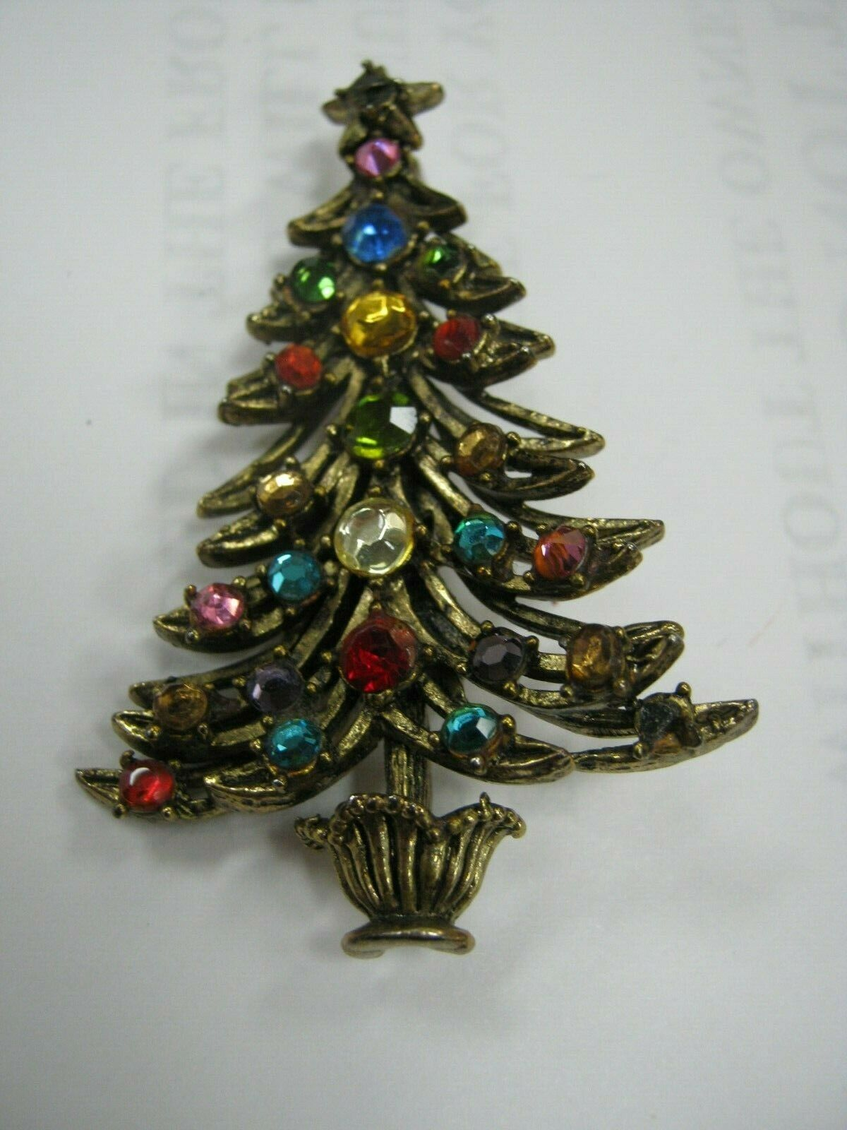 Primary image for beautiful Christmas tree pin marked Hollycraft