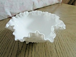 "FENTON WHITE MILK GLASS RUFFLE BOWL HOBNAIL 3 LEGGED FOIL TAG 7.75"" - $14.80"