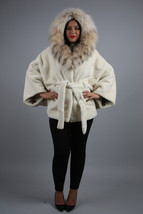 Luxury gift / Pearl Nutria  fur cape/  Full skin/With hood inside Fox / ... - $899.00
