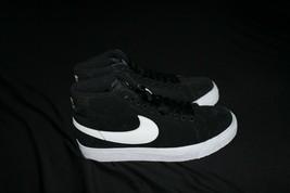 Men's SB Zoom Blazer Mid Skate Shoe 864349-002 Black/White Men's Size 4 - $72.74
