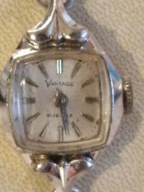 Vintage 21 jewels Vantage Ladies Watch For Repair Or Parts - $5.93