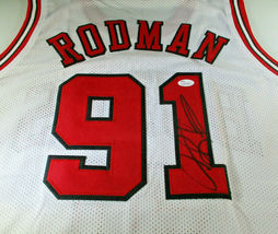 DENNIS RODMAN / NBA HALL OF FAME / HAND SIGNED CHICAGO BULLS CUSTOM JERS... - £80.88 GBP