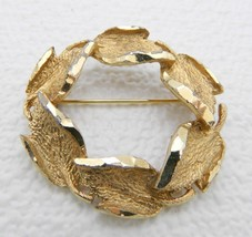 VTG CATHÉ Signed Gold Tone Abstract Leaf Wreath  Brooch Pin - $9.90