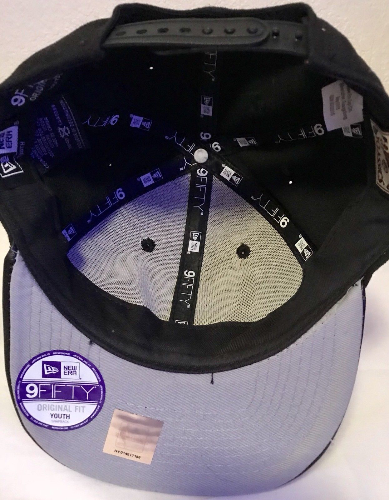 e033220826c NBA Chicago Bulls Era 9Fifty 950 Snapback Hat Cap Black Youth One Size  Polyester