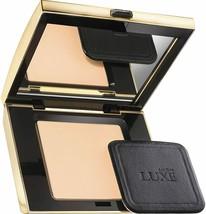 Avon Luxe Silken Pressed Powder Light Medium Silk 10 g New Boxed - $36.00