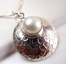 Pearl Round Convex Pendant 925 Sterling Silver Webbed Design Accents New - $10.88