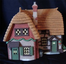 Department 56 Dickens Village Cobb Cottage #5824-6 - $13.72