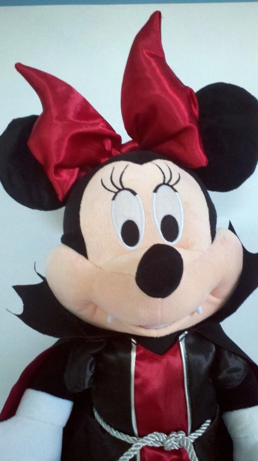 *Large* Disney Vampire MINNIE MOUSE Halloween Red Plush Stuffed Doll Figure 22""
