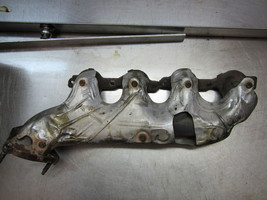 32H014 Right Exhaust Manifold  2002 Chevrolet Suburban 1500 5.3  - $40.00