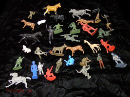 Play Set Figure Vintage Toy Lot Toy Soldiers Green Army Men Horses Animals - $16.99