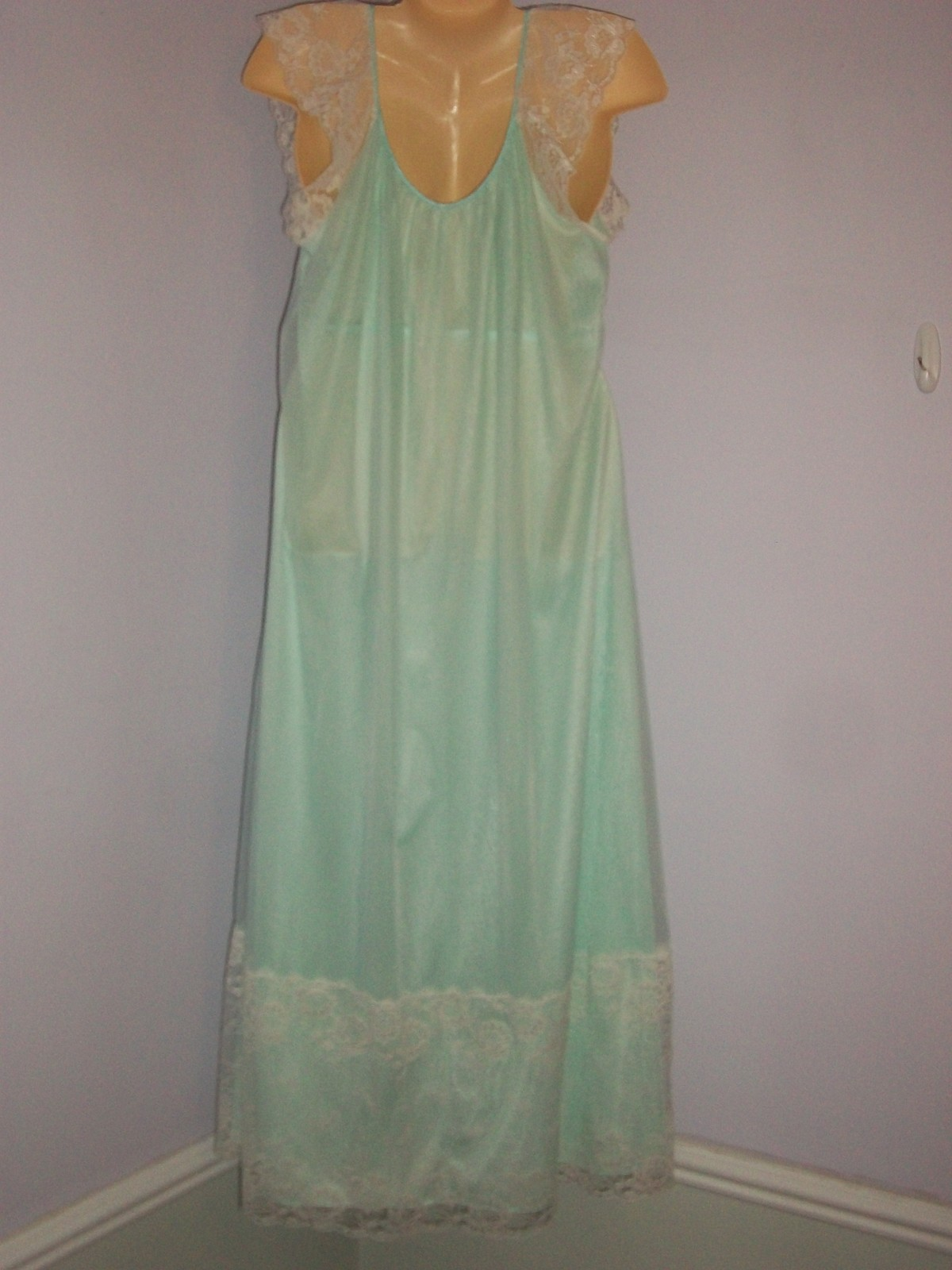 f2aa9c850deb **VINTAGE JENELLE of CALIFORNIA Double Layer Chiffon Nylon and Lace  Nightgown