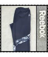 Reebok Leggings Medium Womans Black Capri Athletic Wear Stretchy  - $21.47