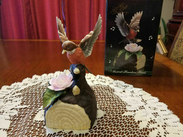 "Vintage Music Box Porcelain Bird Red Robin Rose Plays ""Edelweiss"" NIB - $26.00"