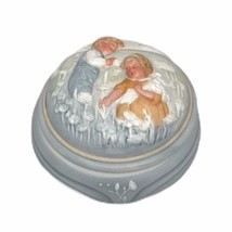 NIB  AVON Golden Dreams Porcelain Music/Trinket Box Hand Painted 1985 - $19.79