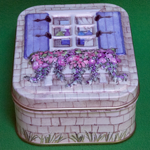 Very Nice Little Rogers' Chocolates Metal Collectible Container - $1.95