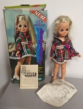 VINTAGE 1972 IDEAL LOOK AROUND VELVET w DRESS + BOX + INSTRUCTIONS WORKS! - $44.54