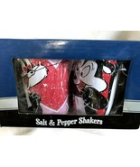 Pepe Le Pew & Penelope In Love Tin Salt & Pepper Shakers NEW 23817 - $32.99