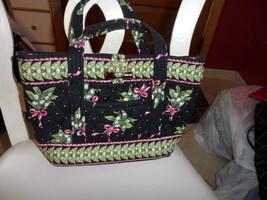 Vera Bradley small toggle handbag in New Hope Pattern - $19.50