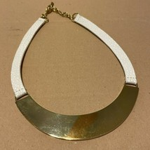 $68 Vince Camuto Signed Statement Necklace WHITE Leather Collar Goldtone... - $23.38