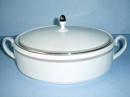 Vera Wang Wedgwood Grosgrain Platinum Covered Vegetable Dish Bowl Oval New - $195.90
