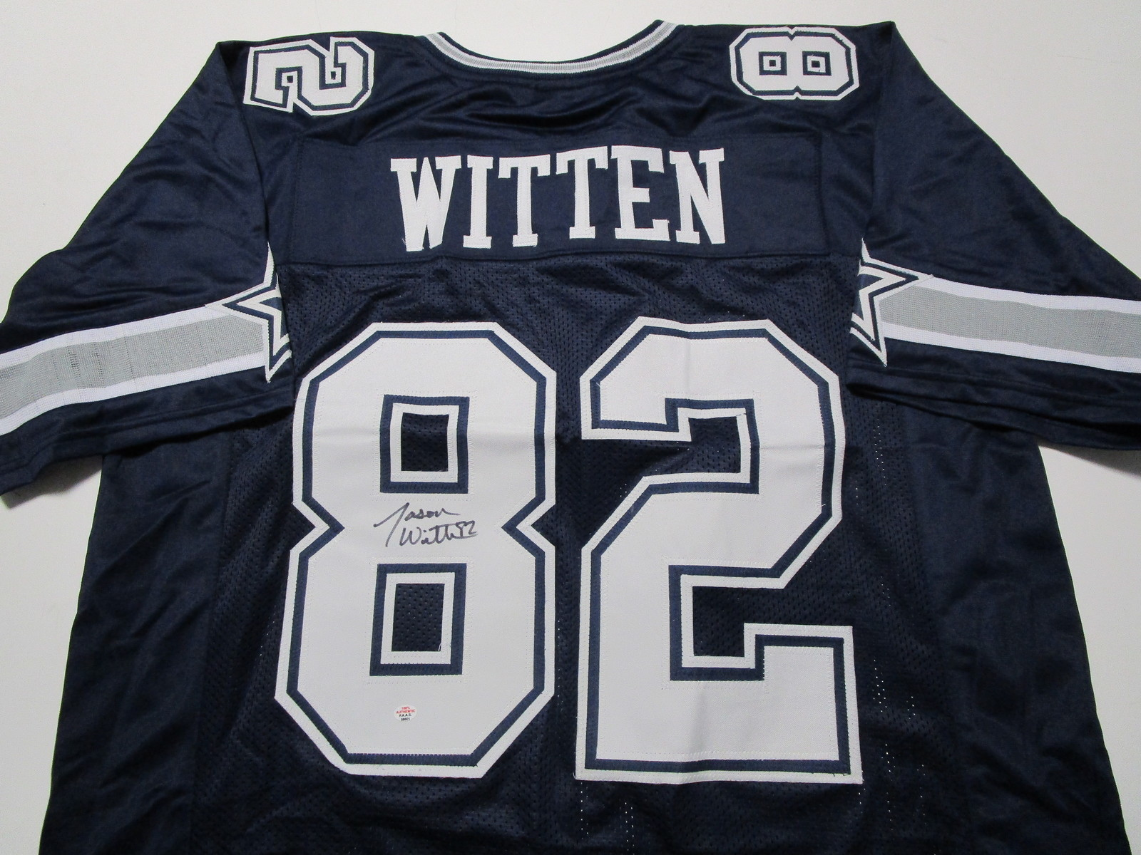 JASON WITTEN / DALLAS COWBOYS / AUTOGRAPHED COWBOYS CUSTOM FOOTBALL JERSEY / COA