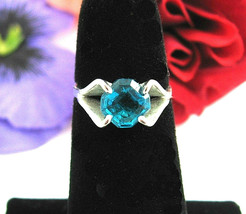 Vintage RING Electric BRIGHT BLUE Glass STONE Silvertone Solitaire Size 5 - $19.99