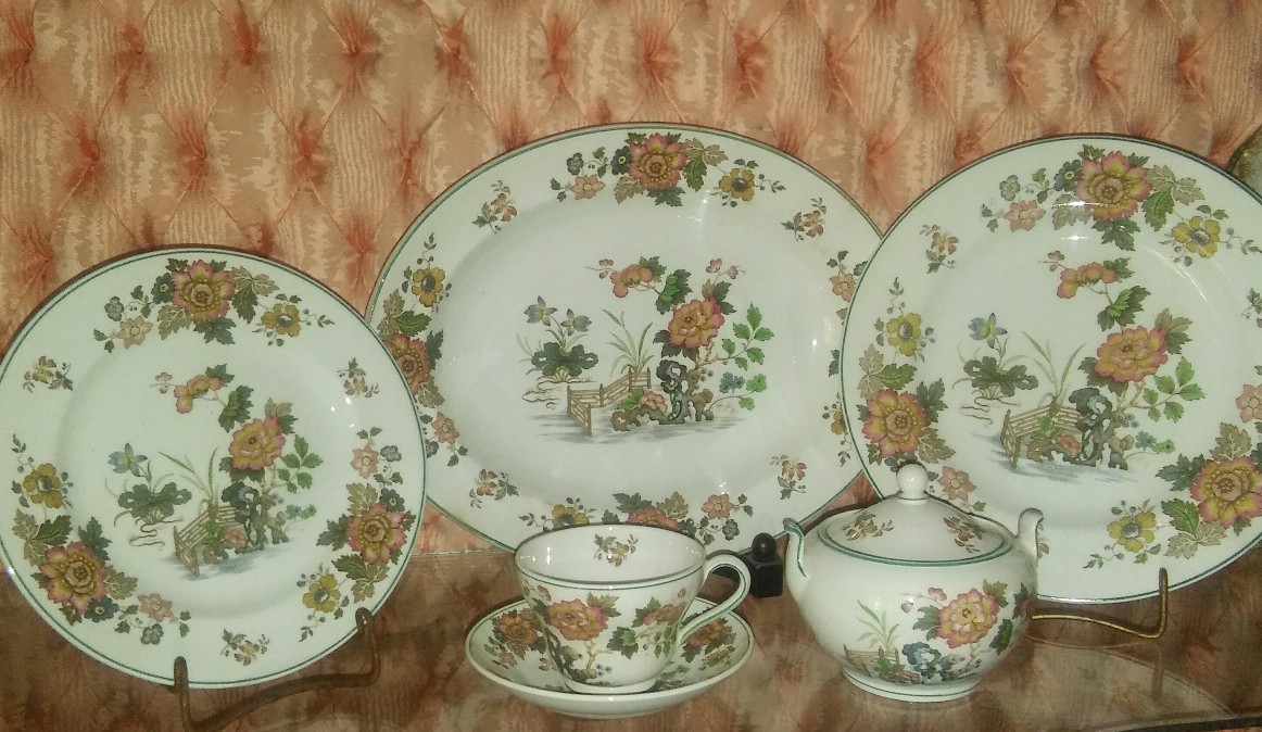 Wedgwood eastern flowers  1