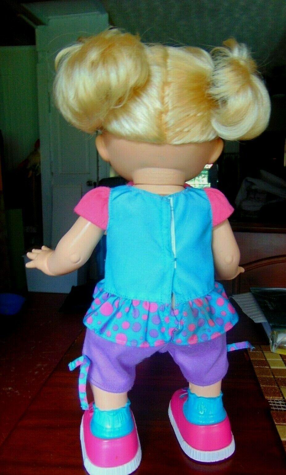 Baby Alive I Wanna Walk Doll 2011 Blond Walking Talks Original Clothes Works  ! image 3
