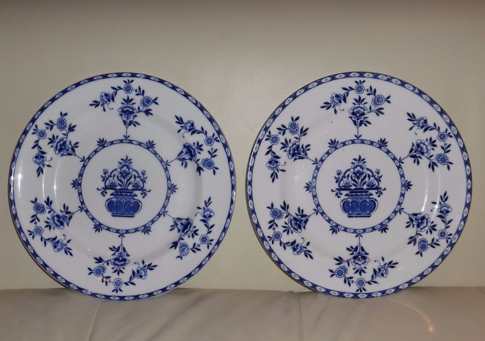 2 ANTIQUE ROYAL DOULTON BLUE WHITE FLOWERS DINNER PLATES (1902-1922 MARK) & 2 Antique Royal Doulton Blue White Flowers and 9 similar items