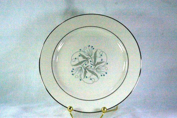 """Homer Laughlin Celeste #B1447 Salad Plate 7 1/4"""""""