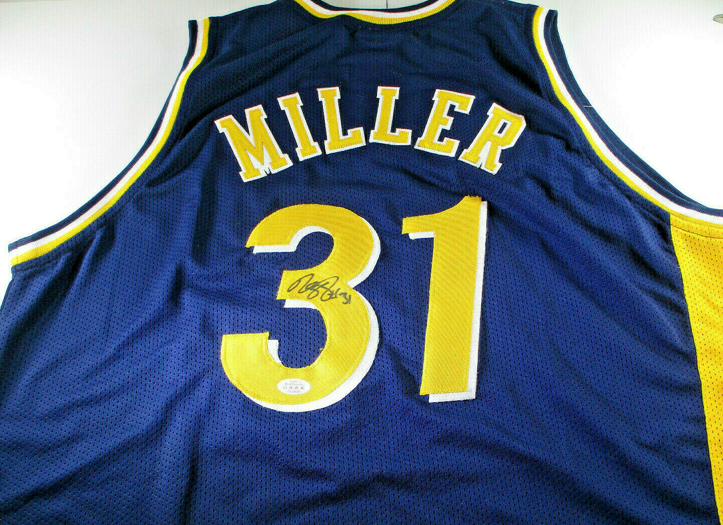 REGGIE MILLER / NBA HALL OF FAME / AUTOGRAPHED INDIANA PACERS CUSTOM JERSEY COA