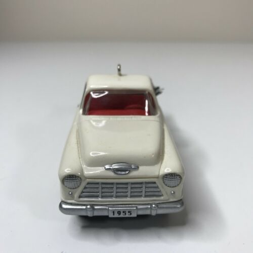 Hallmark Keepsake 1996 Ornament 1955 Chevrolet Cameo Second in Series image 3