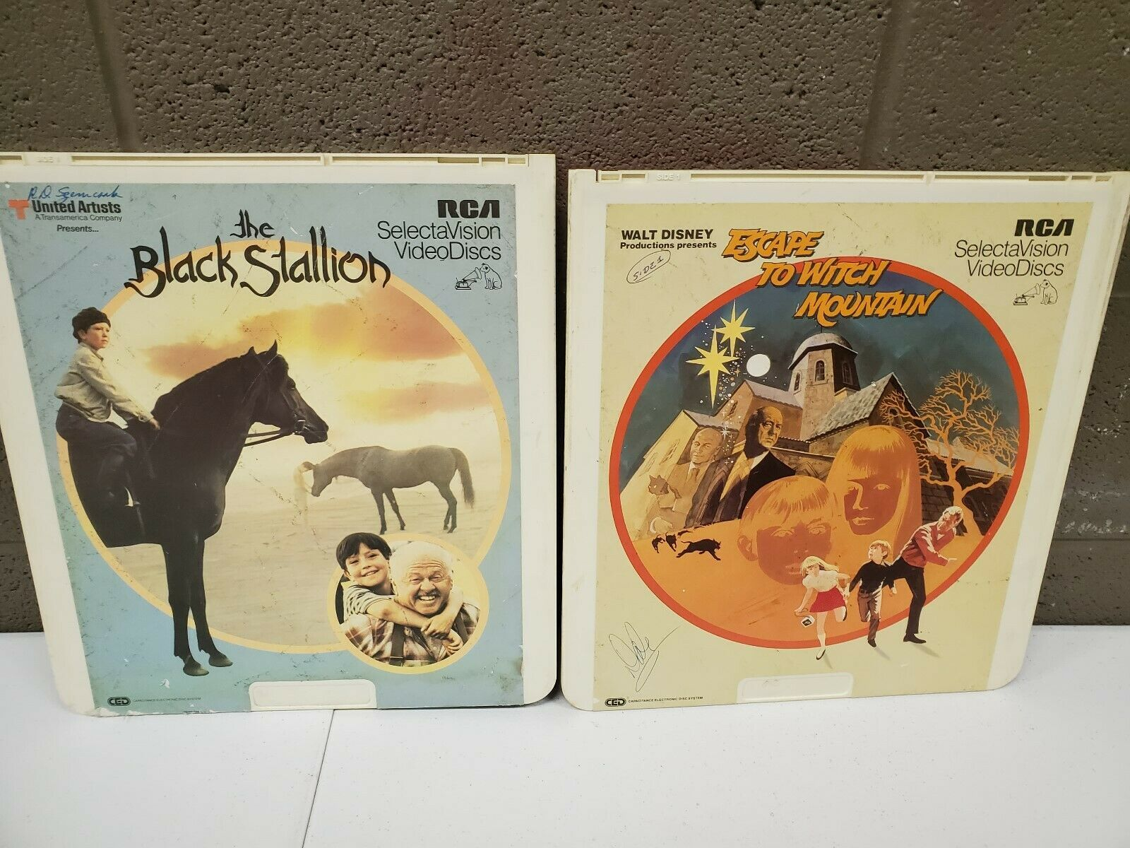 Primary image for CED Videodisc Walt Disney Escape to Witch Mountain and the Black Stallion (c22)