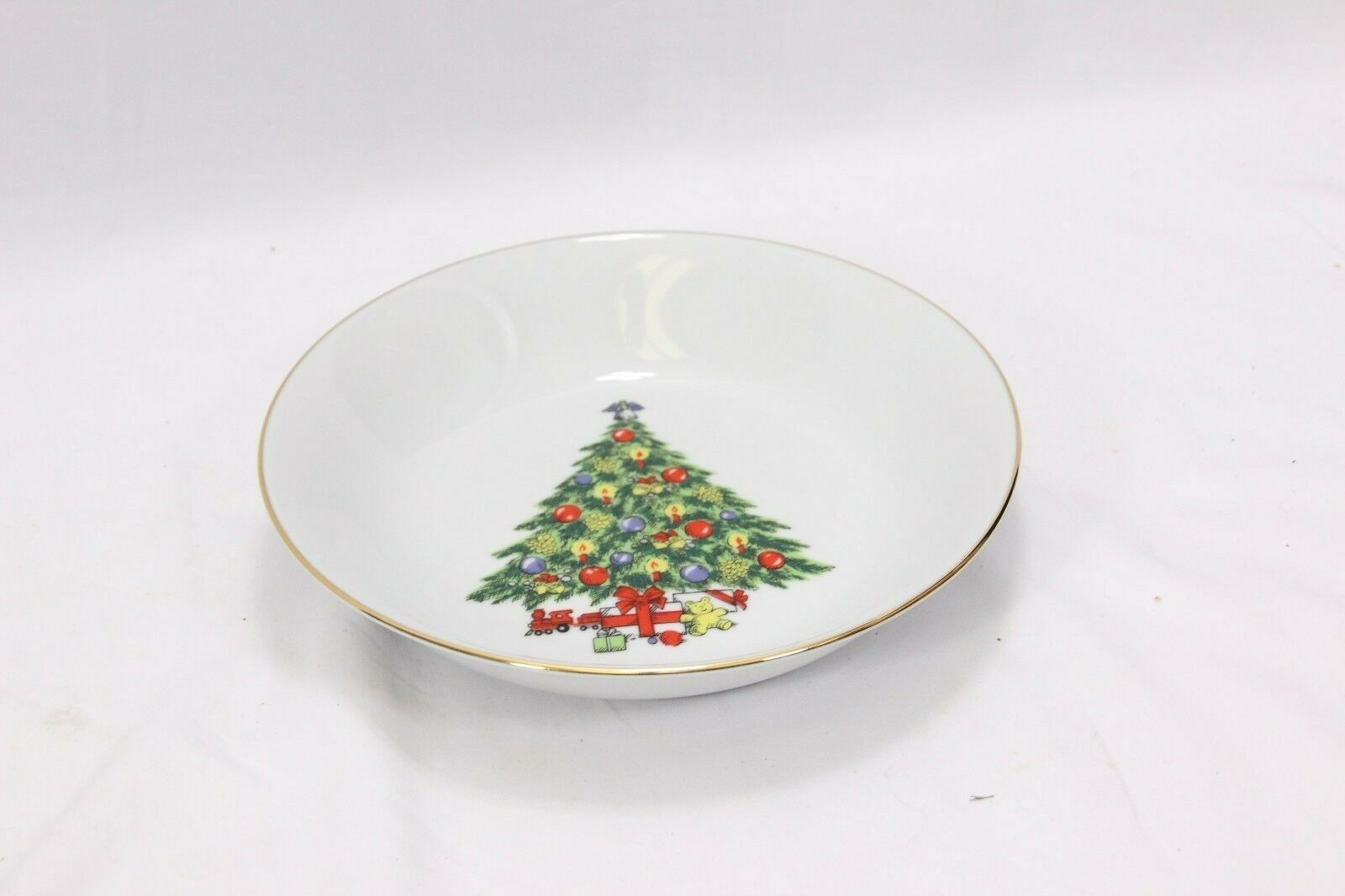 Jamestown Xmas Treasure Bowls Cups Saucers Lot of 12 image 10