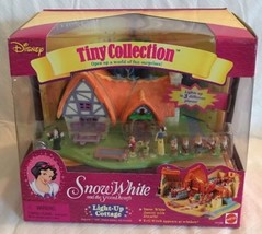 Disney Tiny Collection Polly Pocket Snow White Light Up Cottage NEW & SE... - $197.99