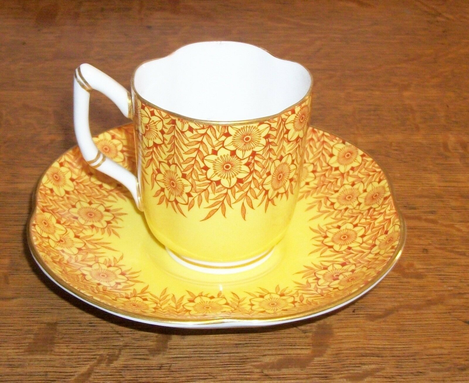 1911 ROYAL WORCESTER BONE CHINA OLD TEA CUP CHINTZ YELLOW BIGELOW KENNARD BOSTON