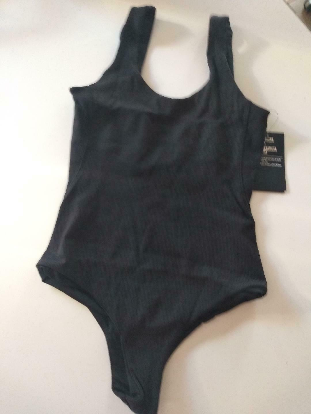Hurley Q/D BP Body Suit Size Small