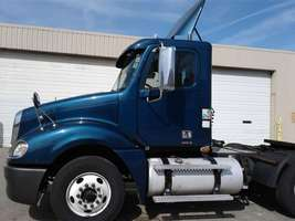2009 Freightliner Columbia 120 For Sale in Elk Grove Village, Illinois 60007 image 1